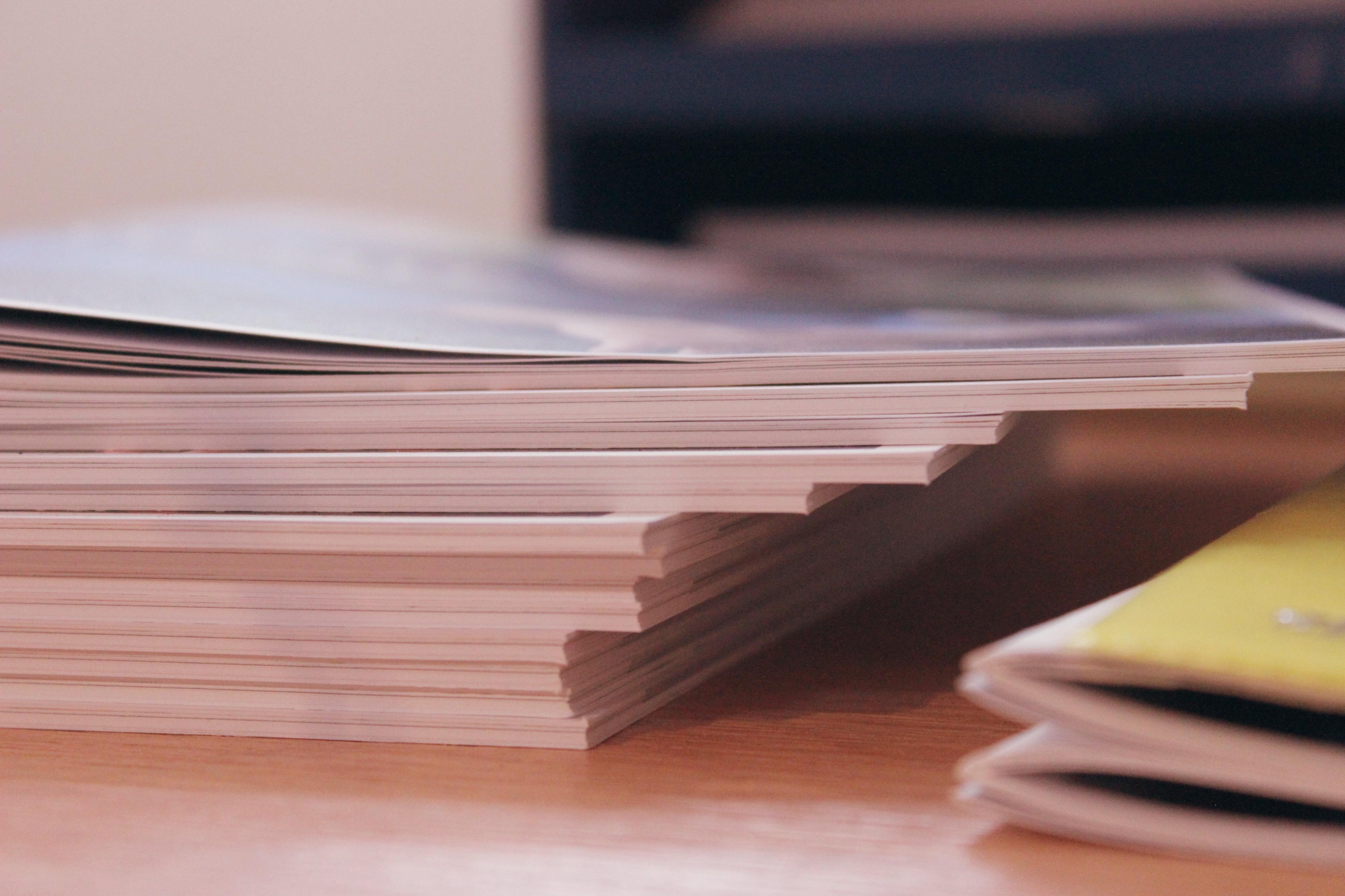 Broschürenstapel.jpg